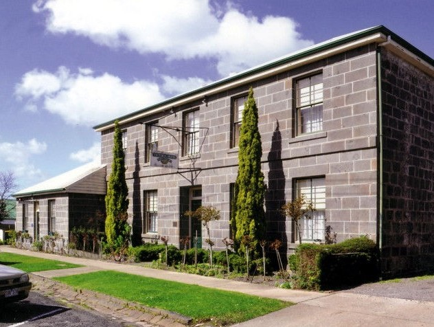 Victoria House Portland - Tweed Heads Accommodation