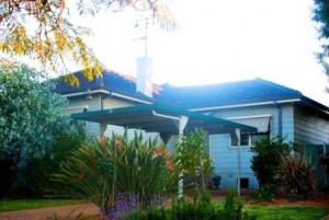 Straw Houses - Tweed Heads Accommodation
