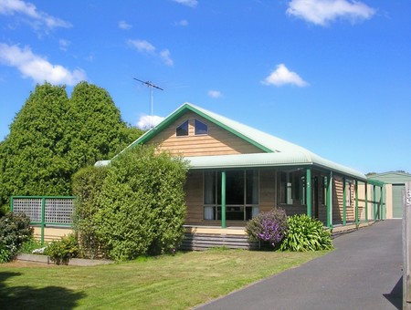 Black Dolphin Seaside Cottage - Tweed Heads Accommodation