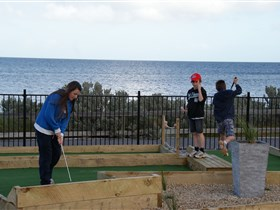 Port Vincent Putt Putt - Tweed Heads Accommodation