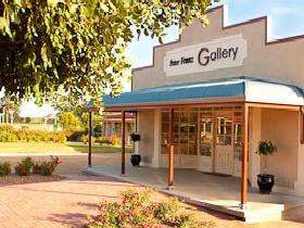 Peter Franz Fine Art Gallery - Tweed Heads Accommodation