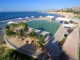 Kings Beach - Beachfront Salt Water Pool - Tweed Heads Accommodation