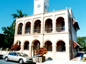 Mackay Town Hall - Tweed Heads Accommodation
