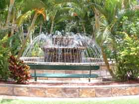 Bauer and Wiles Memorial Fountain - Tweed Heads Accommodation