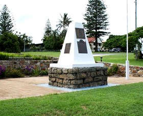 Dunwich War Memorial - Tweed Heads Accommodation