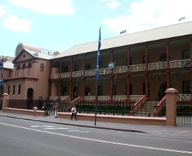 Parliament House - Tweed Heads Accommodation