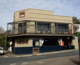Harold Park Hotel - Tweed Heads Accommodation