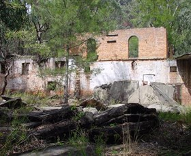 Newnes Shale Oil Ruins - Tweed Heads Accommodation