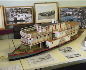 Wentworth Model Paddlesteamer Display - Tweed Heads Accommodation