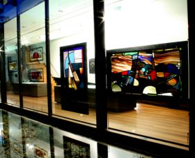 National Art Glass Collection - Tweed Heads Accommodation