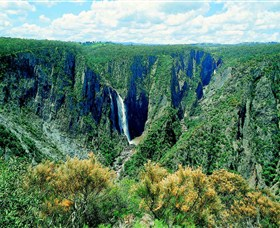Wollomombi Falls - Tweed Heads Accommodation