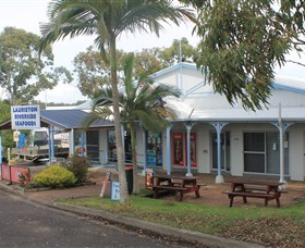 Laurieton Riverside Seafoods - Tweed Heads Accommodation