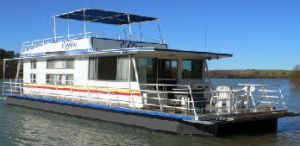 Oz Houseboats - Tweed Heads Accommodation