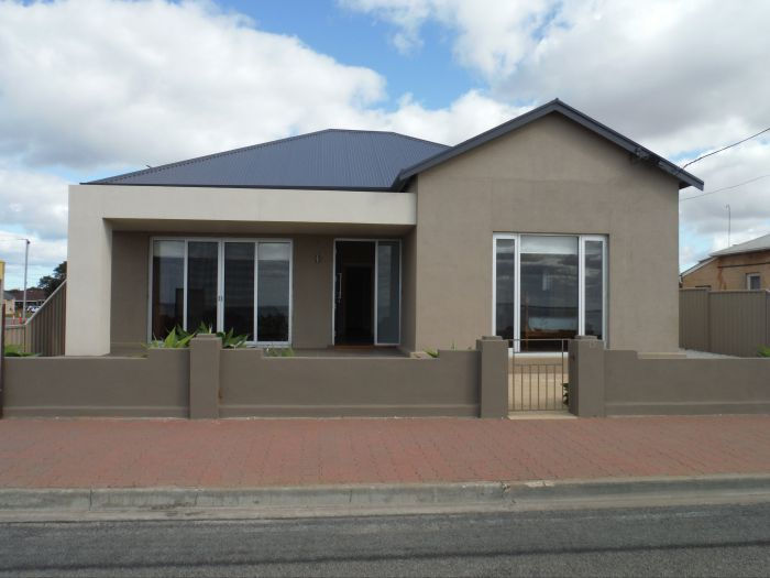 Stansbury Beach House - Tweed Heads Accommodation