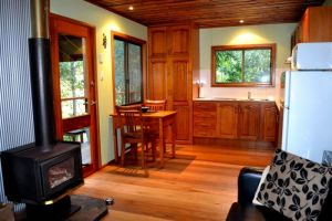 Waterfall Hideout-Rainforest Cabin for Couples - Tweed Heads Accommodation