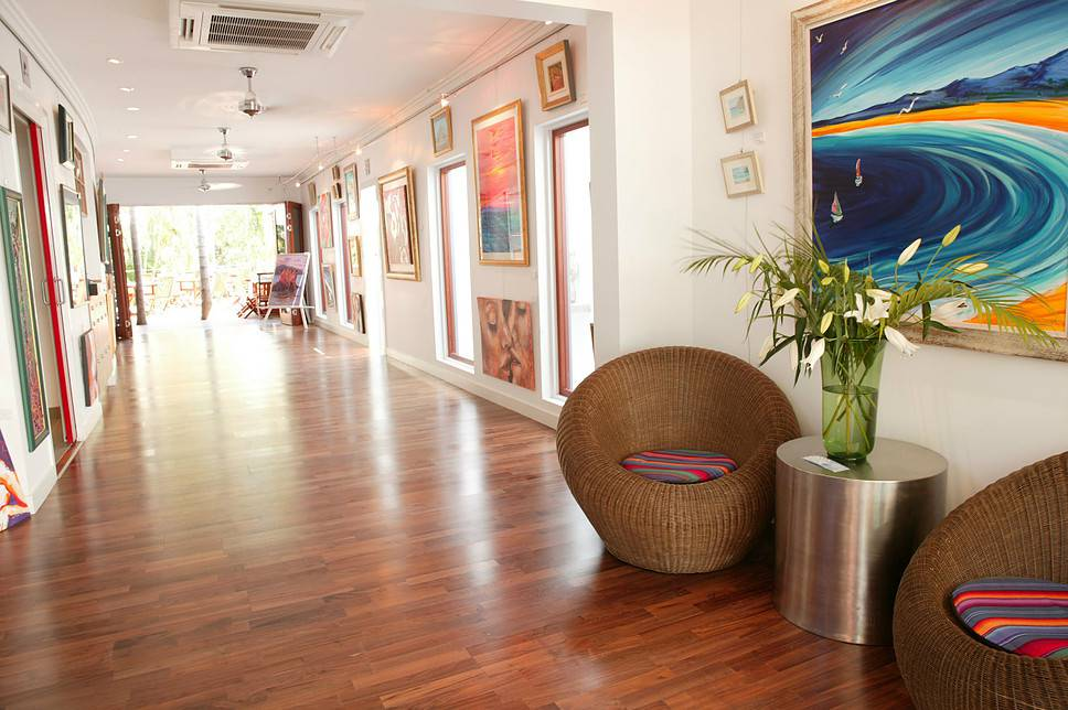 Barefoot Art Food Wine - Tweed Heads Accommodation