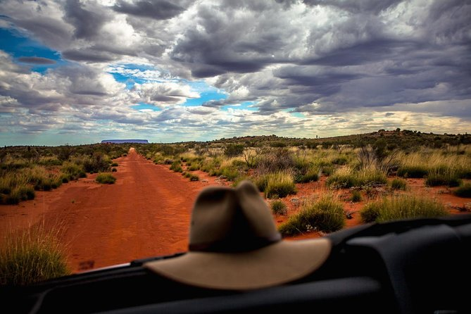 Mount Conner 4WD Small Group Tour from Ayers Rock including 3-Course Dinner - Tweed Heads Accommodation