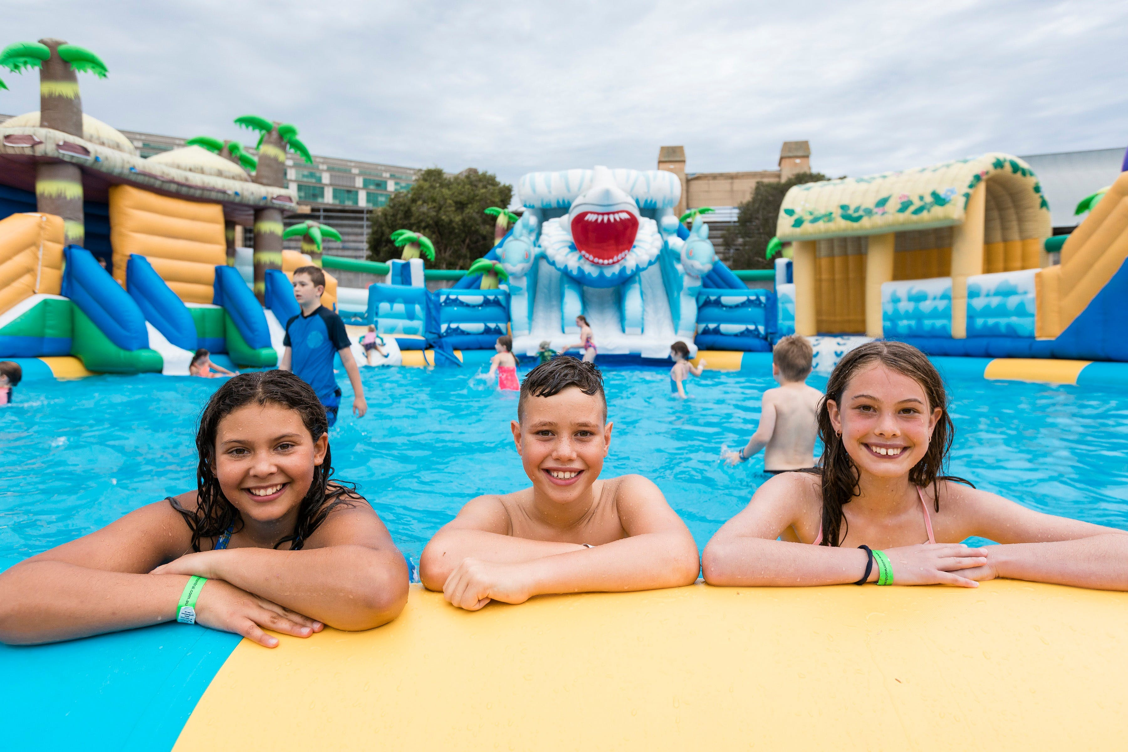 Waterworld Central - Mobile Inflatable Waterpark - Tweed Heads Accommodation