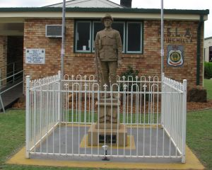 Soldier Statue Memorial Chinchilla - Tweed Heads Accommodation