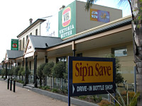 Reepham Hotel - Tweed Heads Accommodation