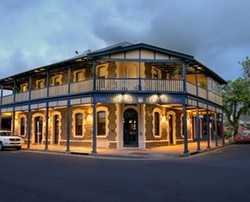 Kensington Hotel - Tweed Heads Accommodation