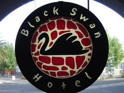 Black Swan Hotel - Tweed Heads Accommodation