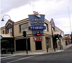 Grand Junction Hotel - Tweed Heads Accommodation