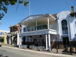 Mount Pleasant Hotel - Tweed Heads Accommodation