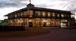 The Grand Terminus Hotel - Tweed Heads Accommodation