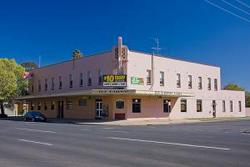 Railway Hotel - Tweed Heads Accommodation