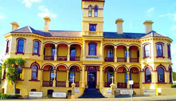 The Queenscliff Historic Royal Hotel - Tweed Heads Accommodation