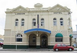 The London Hotel - Tweed Heads Accommodation