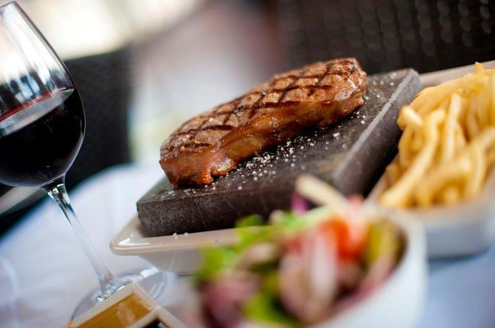 Black Angus Bar  Grill Restaurant - Tweed Heads Accommodation