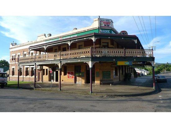 Bank Hotel Dungog - Tweed Heads Accommodation