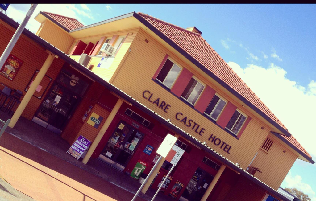 Clare Castle Hotel - Tweed Heads Accommodation