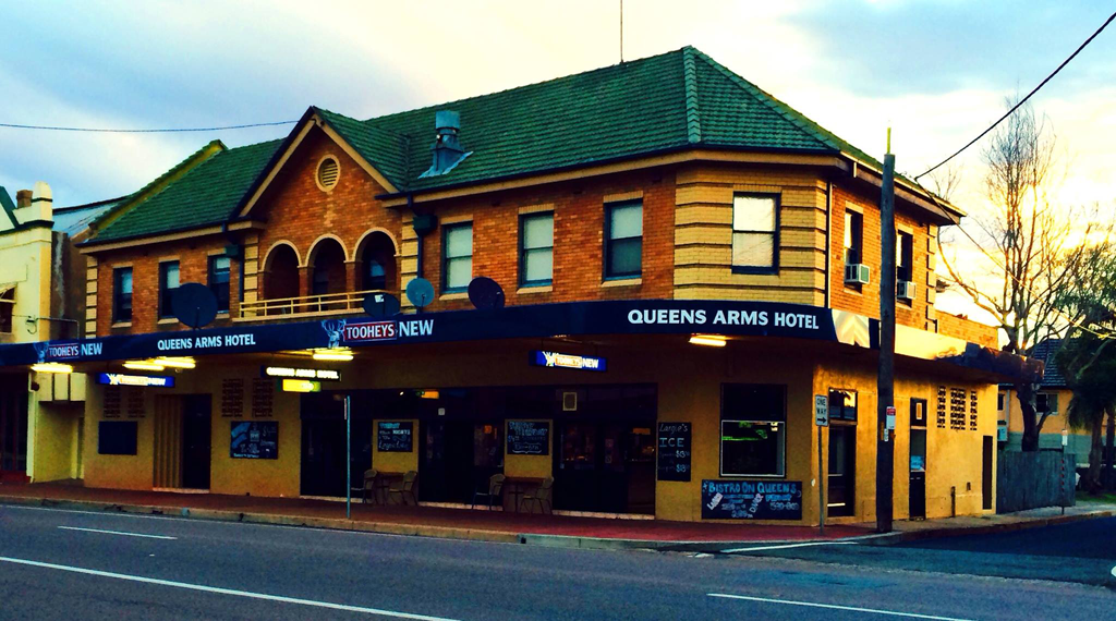 Queens Arms Hotel - Tweed Heads Accommodation