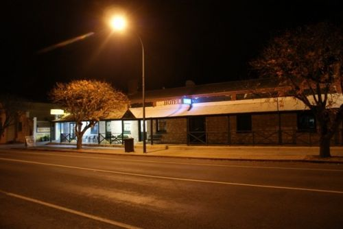 Riverton Hotel - Tweed Heads Accommodation