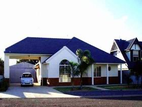 Port Hughes Tavern - Tweed Heads Accommodation