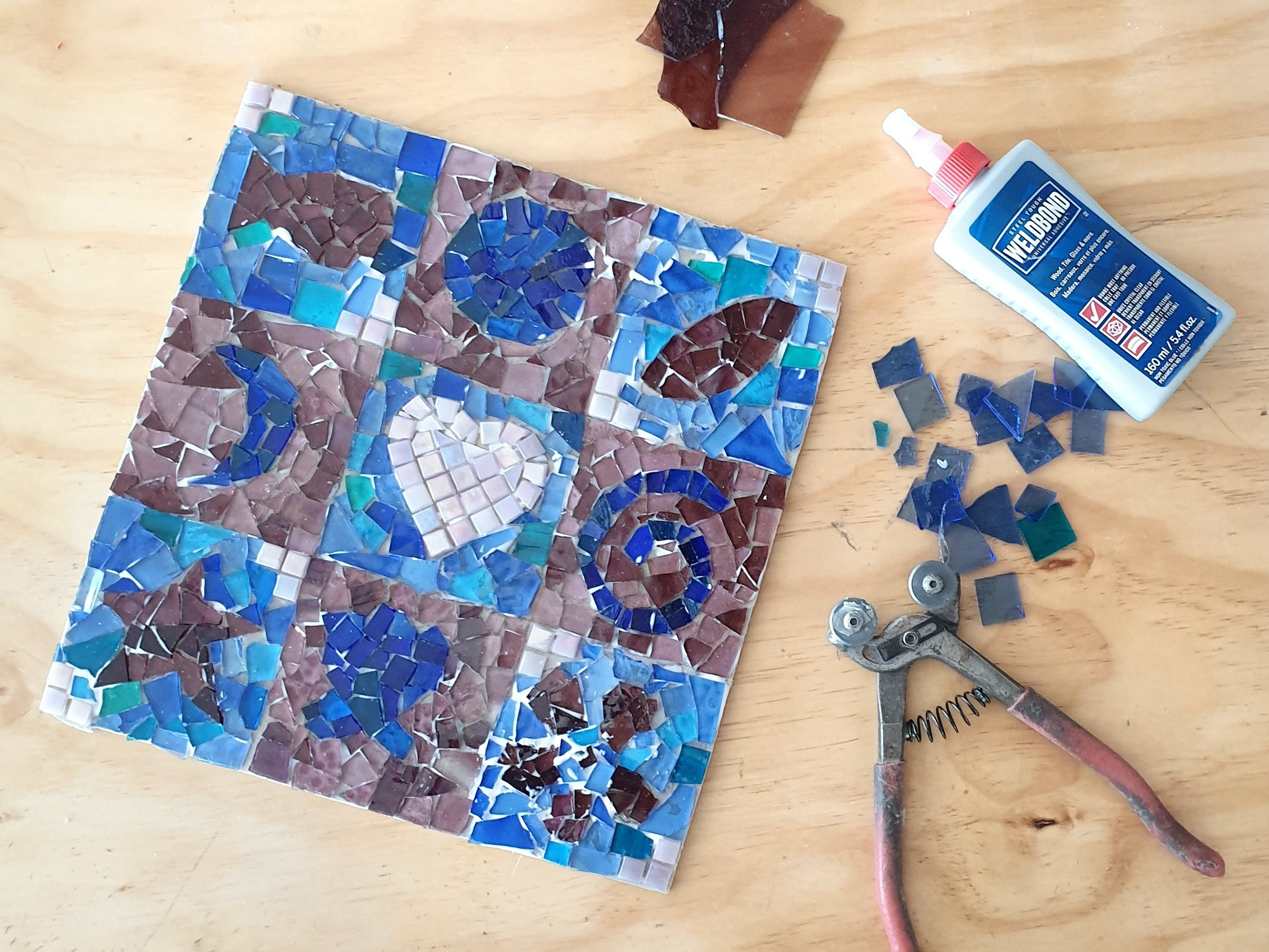 Intro to Mosaics Weekend with Leadlight By Ettore - Tweed Heads Accommodation