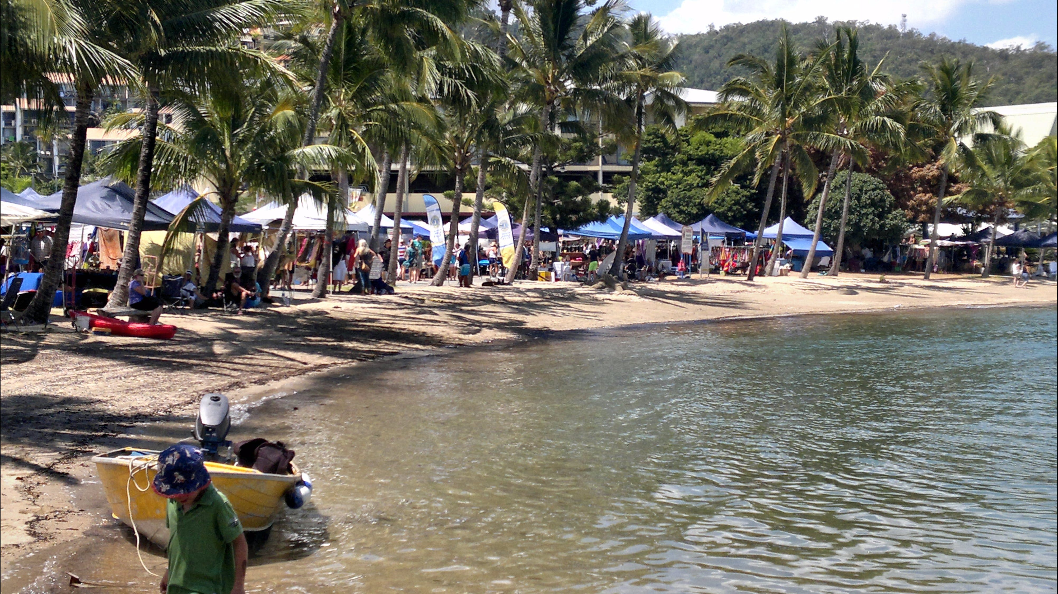 Lions Airlie Beach Community Markets - Tweed Heads Accommodation