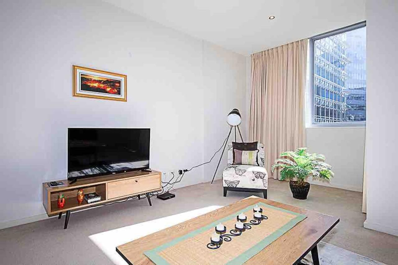 Spacious 1BR Stylish New Acton Apartment Parking - Tweed Heads Accommodation