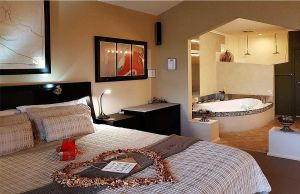 Romantic Getaways at Riverview Rise Retreats - Tweed Heads Accommodation