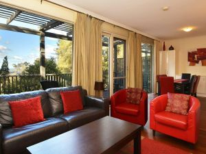 Villa Cypress located within Cypress Lakes - Tweed Heads Accommodation