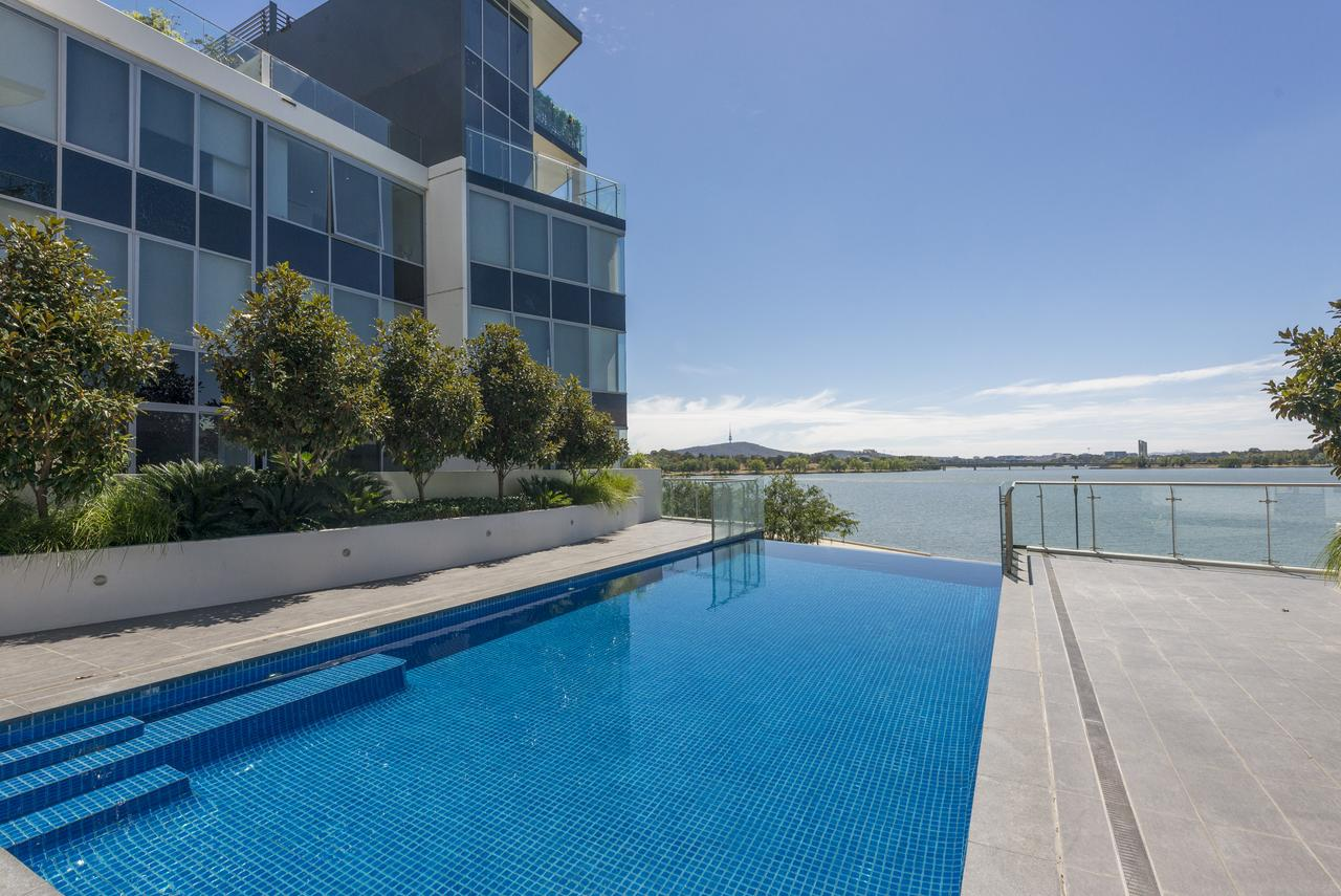 Accommodate Canberra - Lakefront - Tweed Heads Accommodation