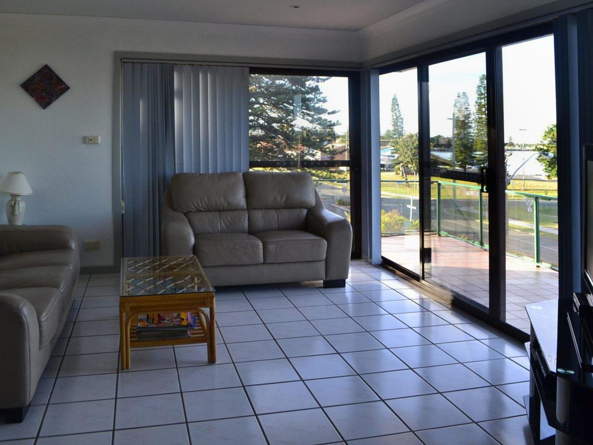 Oxley 8 at Tuncurry - Tweed Heads Accommodation