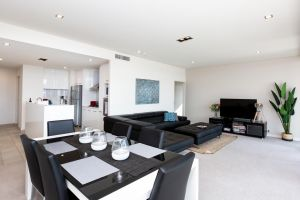 Brand New Executive Apartment - Tweed Heads Accommodation