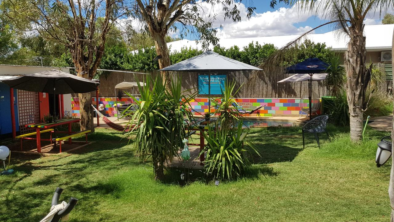Alice's Secret Travellers Inn - Tweed Heads Accommodation