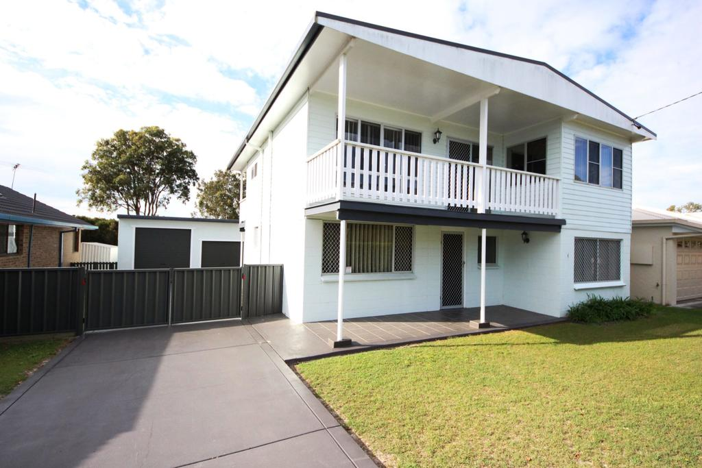 By The Beach at South West Rocks - Tweed Heads Accommodation