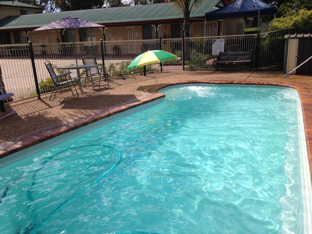 Country Rose Motel Warwick - Tweed Heads Accommodation