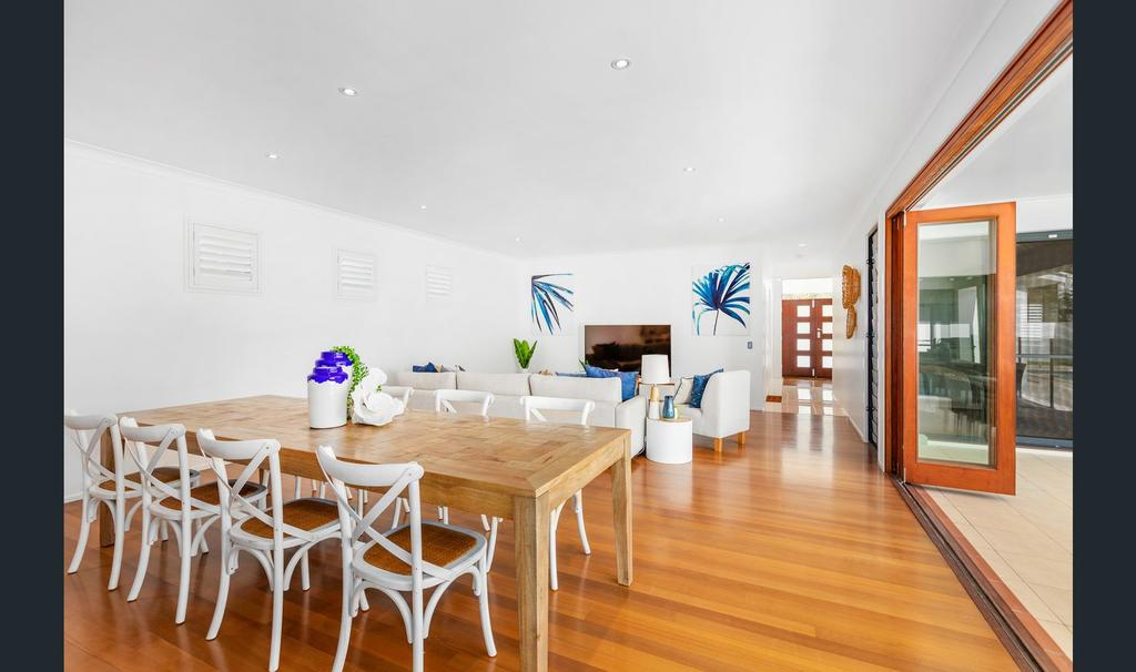 Narrabeen Beach House - Tweed Heads Accommodation